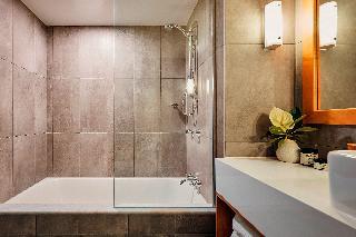 http://photos.hotelbeds.com/giata/10/105489/105489a_hb_ro_027.jpg