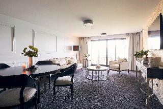http://photos.hotelbeds.com/giata/10/105489/105489a_hb_ro_052.jpg