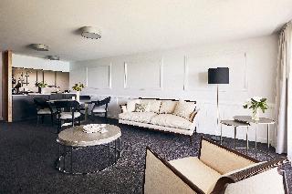 http://photos.hotelbeds.com/giata/10/105489/105489a_hb_ro_054.jpg