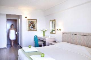 http://photos.hotelbeds.com/giata/10/106107/106107a_hb_ro_021.jpg