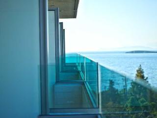 http://photos.hotelbeds.com/giata/10/106107/106107a_hb_ro_023.jpg