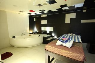 Dhaka Regency Hotels & Resorts - Sport