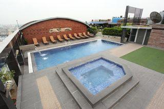 Dhaka Regency Hotels & Resorts - Pool
