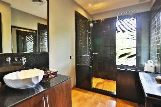 http://photos.hotelbeds.com/giata/10/107330/107330a_hb_ro_017.jpg