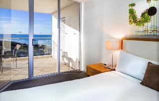 http://photos.hotelbeds.com/giata/11/110452/110452a_hb_ro_001.jpg