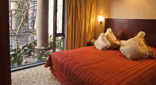http://photos.hotelbeds.com/giata/11/111120/111120a_hb_ro_040.jpg