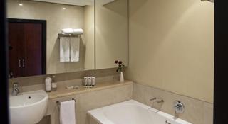 http://photos.hotelbeds.com/giata/11/111120/111120a_hb_ro_044.jpg