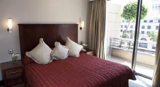 http://photos.hotelbeds.com/giata/11/111120/111120a_hb_ro_046.jpg