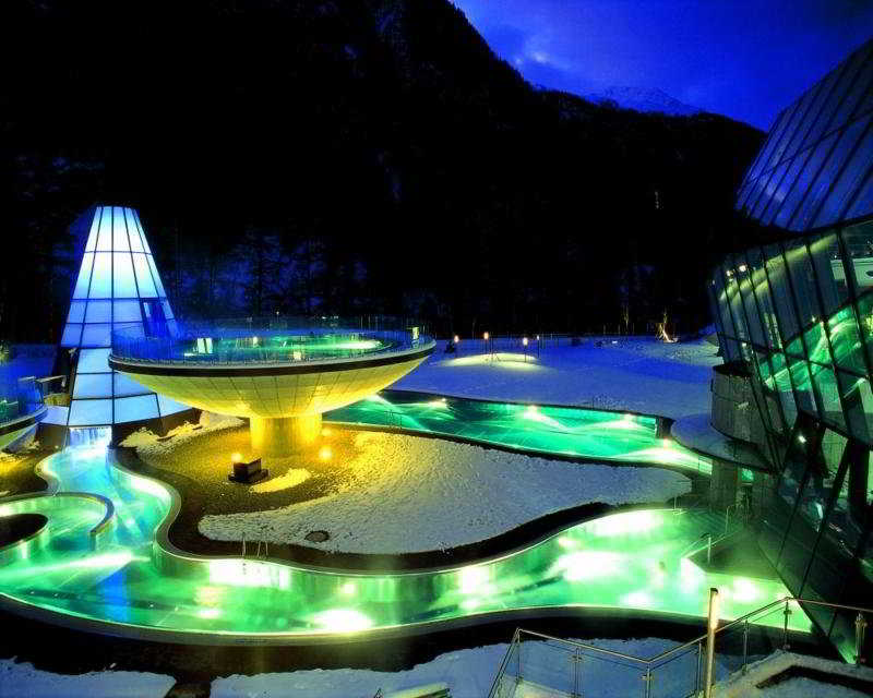 Aqua Dome - Pool