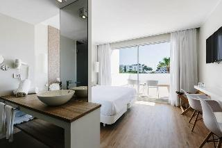 http://photos.hotelbeds.com/giata/11/117678/117678a_hb_ro_005.jpg