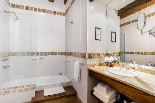 http://photos.hotelbeds.com/giata/11/118316/118316a_hb_ro_001.jpg