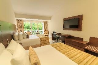 http://photos.hotelbeds.com/giata/12/121424/121424a_hb_ro_026.jpg