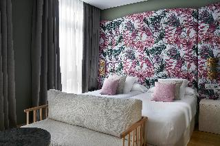http://photos.hotelbeds.com/giata/12/125898/125898a_hb_ro_099.jpg