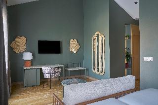 http://photos.hotelbeds.com/giata/12/125898/125898a_hb_ro_100.jpg