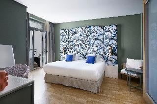 http://photos.hotelbeds.com/giata/12/125898/125898a_hb_ro_109.jpg
