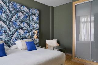 http://photos.hotelbeds.com/giata/12/125898/125898a_hb_ro_112.jpg