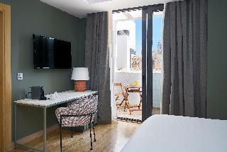 http://photos.hotelbeds.com/giata/12/125898/125898a_hb_ro_113.jpg