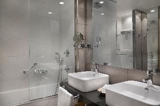 http://photos.hotelbeds.com/giata/12/125898/125898a_hb_ro_121.jpg
