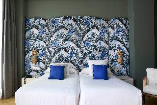 http://photos.hotelbeds.com/giata/12/125898/125898a_hb_ro_151.jpg