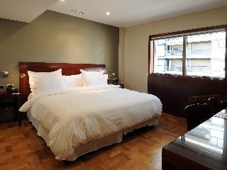 http://photos.hotelbeds.com/giata/12/128133/128133a_hb_ro_002.jpg
