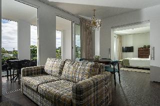 http://photos.hotelbeds.com/giata/13/132454/132454a_hb_ro_048.jpg