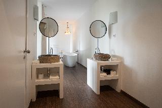 http://photos.hotelbeds.com/giata/13/132454/132454a_hb_ro_051.jpg