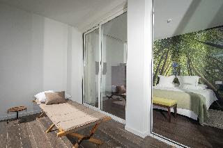 http://photos.hotelbeds.com/giata/13/132454/132454a_hb_ro_054.jpg