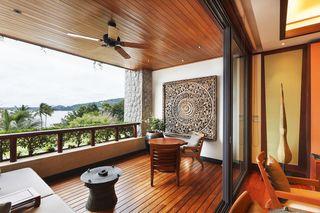 http://photos.hotelbeds.com/giata/13/132537/132537a_hb_ro_012.jpg