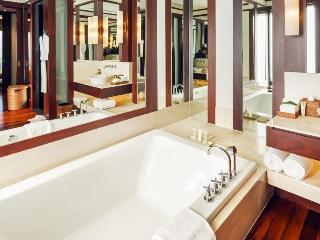 http://photos.hotelbeds.com/giata/13/132537/132537a_hb_ro_032.jpg