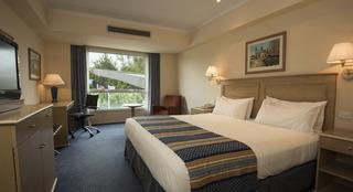 http://photos.hotelbeds.com/giata/13/133199/133199a_hb_ro_002.jpg