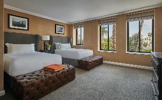 http://photos.hotelbeds.com/giata/13/133639/133639a_hb_ro_017.jpg