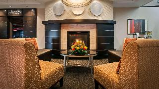 Best Western Plus Denham Inn & Suites, Airport
