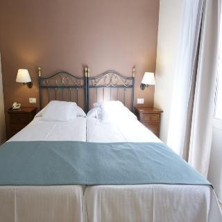 http://photos.hotelbeds.com/giata/13/134462/134462a_hb_ro_007.jpg