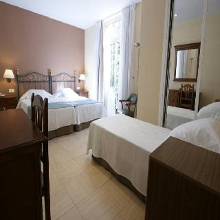 http://photos.hotelbeds.com/giata/13/134462/134462a_hb_ro_009.jpg