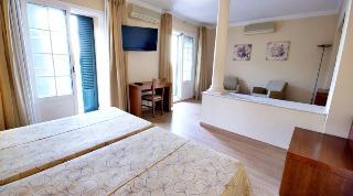 http://photos.hotelbeds.com/giata/13/134462/134462a_hb_ro_013.jpg