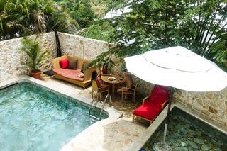 http://photos.hotelbeds.com/giata/13/135149/135149a_hb_ro_027.jpg