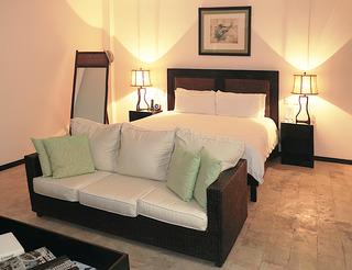 http://photos.hotelbeds.com/giata/13/135149/135149a_hb_ro_071.jpg