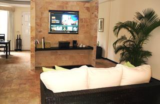 http://photos.hotelbeds.com/giata/13/135149/135149a_hb_ro_073.jpg
