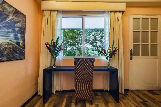 http://photos.hotelbeds.com/giata/13/135149/135149a_hb_ro_091.jpg