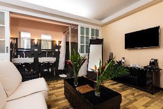 http://photos.hotelbeds.com/giata/13/135149/135149a_hb_ro_094.jpg