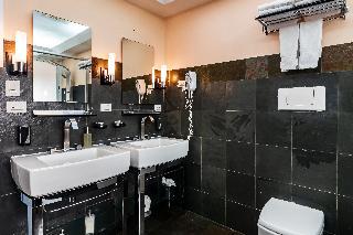 http://photos.hotelbeds.com/giata/13/135149/135149a_hb_ro_098.jpg