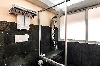 http://photos.hotelbeds.com/giata/13/135149/135149a_hb_ro_100.jpg