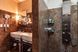 http://photos.hotelbeds.com/giata/13/135149/135149a_hb_ro_108.jpg