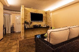 http://photos.hotelbeds.com/giata/13/135149/135149a_hb_ro_111.jpg