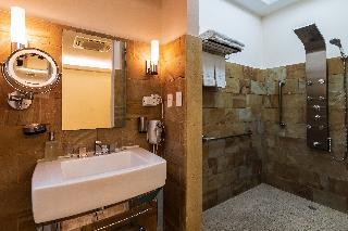 http://photos.hotelbeds.com/giata/13/135149/135149a_hb_ro_113.jpg