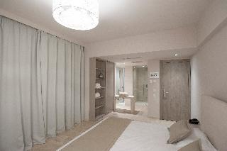 http://photos.hotelbeds.com/giata/13/137315/137315a_hb_ro_026.jpg