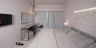 http://photos.hotelbeds.com/giata/13/137315/137315a_hb_ro_045.jpg