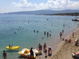 http://photos.hotelbeds.com/giata/13/137315/137315a_hb_ro_073.jpg