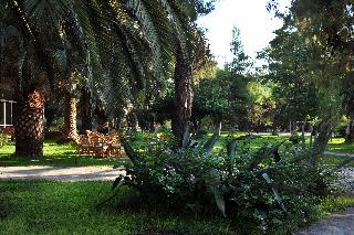 http://photos.hotelbeds.com/giata/13/137315/137315a_hb_ro_084.jpg