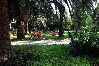 http://photos.hotelbeds.com/giata/13/137315/137315a_hb_ro_093.JPG